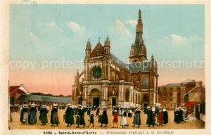AK / Ansichtskarte Sainte Anne d_Auray Procession rentrant a la Basilique Sainte Anne d Auray