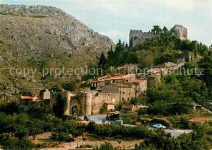 Castelnou Village fortifie du XIe Castelnou