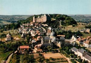 Hautefort Vus du ciel Le chateau XV et XVII le village et l hospice Hautefort