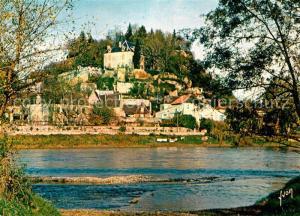 Limeuil Le bas de la Ville avec le Chateau de Larmendie au premier plan la Dordogne Limeuil