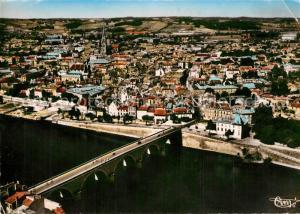 Bergerac Vue generale aerienne et Pont sur la Dordogne Bergerac