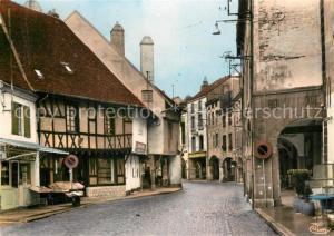 AK / Ansichtskarte Louhans Entree de la ville Maison de bois Arcades Monument historique Louhans