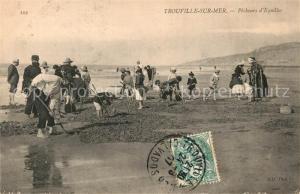 AK / Ansichtskarte Trouville sur Mer Pecheurs d Equilles Trouville sur Mer