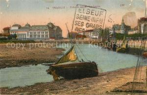 AK / Ansichtskarte Trouville sur Mer A maree basse et le Casino Trouville sur Mer