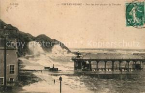 AK / Ansichtskarte Port en Bessin Sous les feux pendant la Tempete Port en Bessin