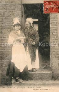 AK / Ansichtskarte Beauvais Scenes et Costumes Nouvelles de l Absent Beauvais