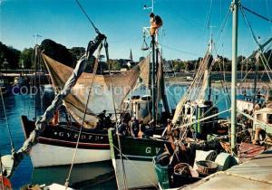 AK / Ansichtskarte Loctudy Bateaux de peche dans le port Loctudy