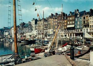 AK / Ansichtskarte Honfleur Le quai Sainte Catherine et ses vieilles maisons Honfleur