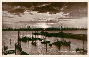 AK / Ansichtskarte Royan_Charente Maritime Le Port Lever de Soleil Royan Charente Maritime