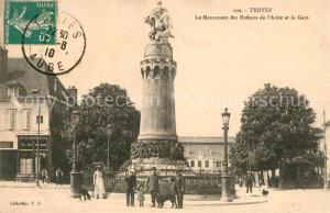 AK / Ansichtskarte Troyes_Aube Le Monument des Enfants de l'Aube et la Gare Troyes Aube