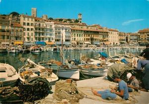 AK / Ansichtskarte Cannes_Alpes Maritimes Un coin du POrt le Quai St Pierre et le Suquet Cannes Alpes Maritimes