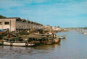 AK / Ansichtskarte Kuala_Terengganu fishermen bring boats Kuala_Terengganu