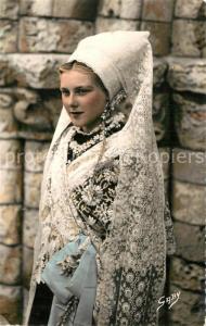 AK / Ansichtskarte Ile_de_Re Retaise en costume de mariee Costumes Trachten Ile_de_Re