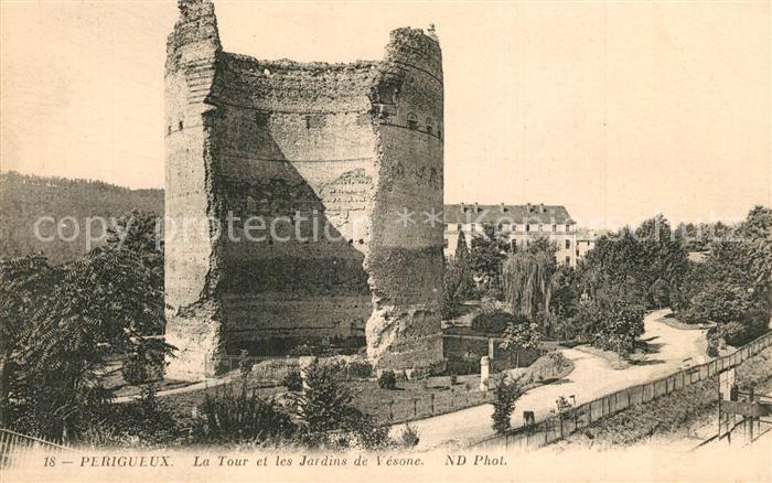 AK / Ansichtskarte Perigueux La Tour et les Jardins de Vesone Perigueux 0