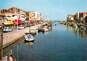 AK / Ansichtskarte Palavas les Flots_Herault Vue panoramique sur le Port le Canal et les Quais Au fond les Phares et la Mer Palavas les Flots_Herault