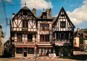 AK / Ansichtskarte Auray Berceau de la Chouannerie Vieilles Maisons sur la Place de la Republique Auray
