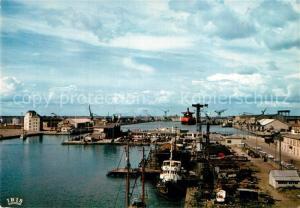 AK / Ansichtskarte Saint Nazaire_Loire Atlantique Vue generale des Chantiers prise de la terrasse panoramique sur la base sous marine Saint Nazaire