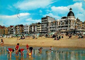 AK / Ansichtskarte Koksijde Strand en dijk Strand Promenade Koksijde