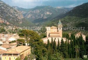 AK / Ansichtskarte Valldemossa_Mallorca Ortsansicht mit Kirche Berge Valldemossa Mallorca
