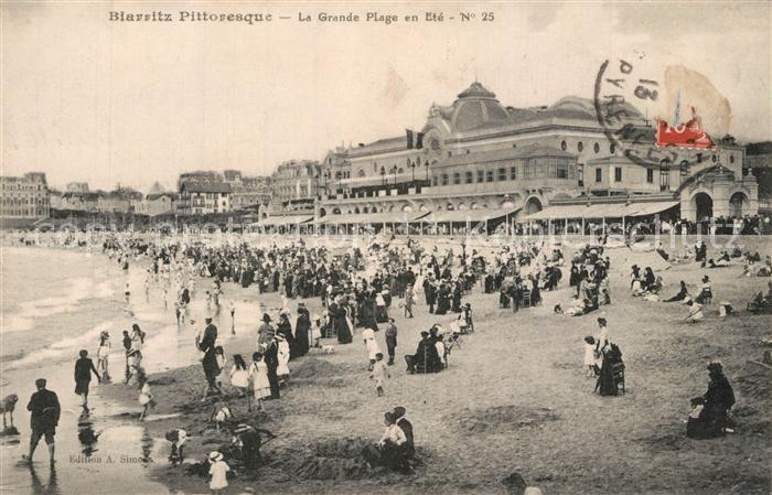 Biarritz_Pyrenees_Atlantiques La grande plage en ete Biarritz_Pyrenees 0