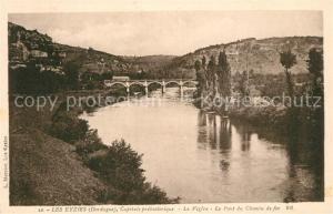 Les_Eyzies de Tayac Sireuil Bords de la Vezere Pont du chemin de fer Les