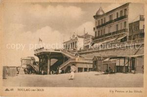 AK / Ansichtskarte Soulac sur Mer Un ponton et les hotels Soulac sur Mer