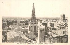 AK / Ansichtskarte Arles_Bouches du Rhone Vue sur la ville Theatre Antique Arles_Bouches du Rhone