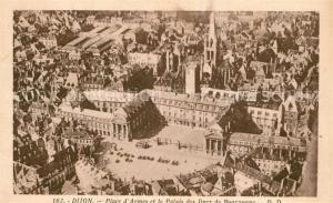 AK / Ansichtskarte Dijon_Cote_d_Or Place d Armes et Palais des Ducs de Bourgogne vue aerienne Dijon_Cote_d_Or