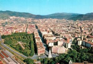 AK / Ansichtskarte Bilbao_Spanien Gran Via y Monumento Sdo Corazon Vista aerea Bilbao Spanien