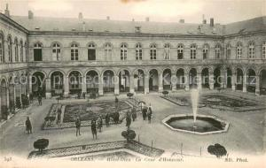 AK / Ansichtskarte Orleans_Loiret Hotel Dieu La Cour d Honneur Orleans_Loiret