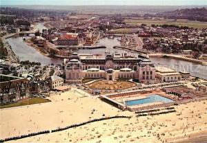 AK / Ansichtskarte Trouville Deauville Casino et piscine vue aerienne Trouville Deauville