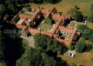 AK / Ansichtskarte Potsdam Schloss Cecilienhof Neuer Garten Fliegeraufnahme Potsdam