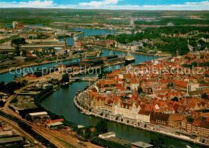 AK / Ansichtskarte Luebeck Hafengebiet Fliegeraufnahme Luebeck