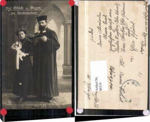 80154,Konfirmation Priester Bibel Mädchen Blumen