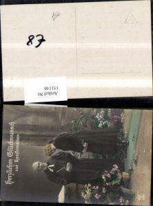 151146,Konfirmation Geistlicher Priester Pfarrer Mädchen Buch Bibel Blumentöpfen