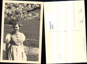 38992,Foto Ak Frau Portrait Dirndl Kleid u. blühenden Baum