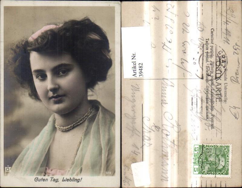 39482,Frau Portrait Guten Tag Liebling Haarband Halskette Schmuck  0