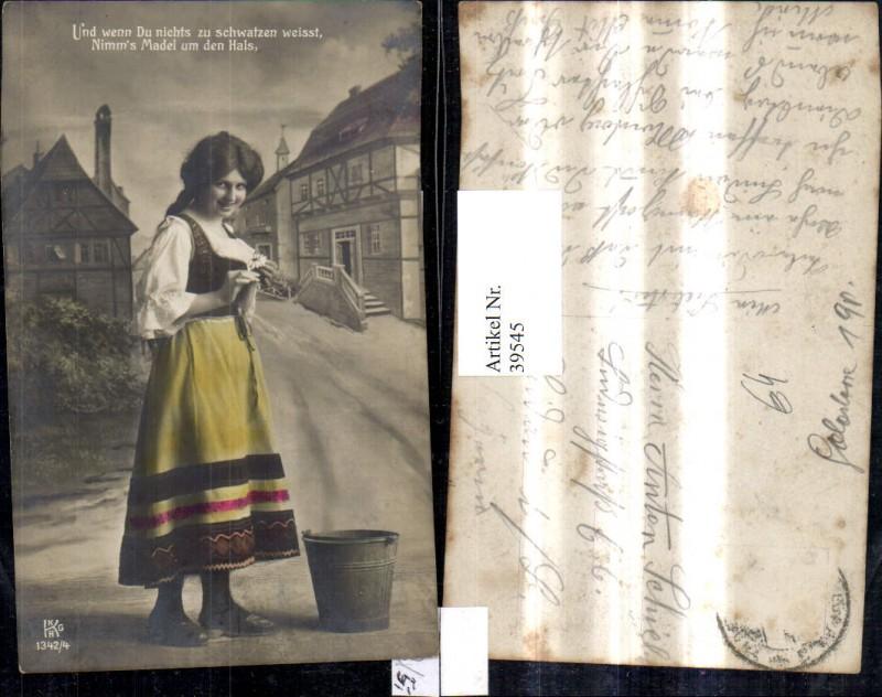 39545,Frau Portrait Zöpfe Dirndl Kleid m. Eimer Kübel Spruch Text