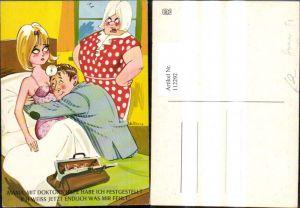 112292,Künstler Ak Scherz Humor Sexy Frau krank i. Bett Doktor Spruch