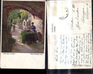 194060,Künstler Ak Hans Götzinger Unter dem Torbogen Frau m. Kind Schubkarren Scheibtruhe Bauern