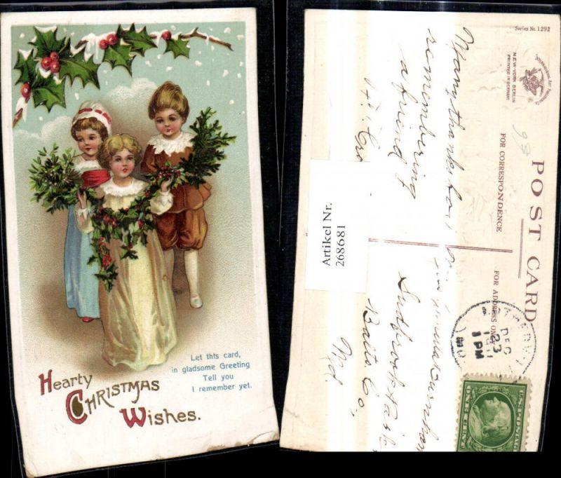 268681,Präge Künstler Ak Kinder m. Misteln Tannenzweige Stechpalmenzweige Weihnachten Spruch