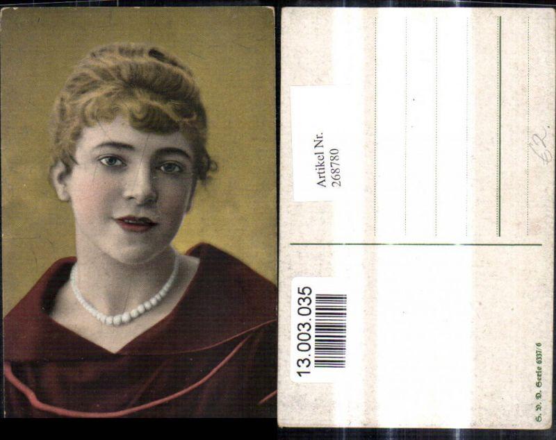 268780,Frau Portrait Halskette Perlenkette Schmuck