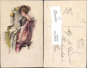 319458,Künstler Ak T. Corbella Frau Kleid a. Tisch Rosen i. Vase