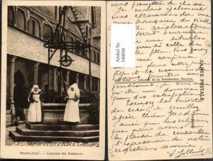 340890,Burgund Cote-Or Hostel-Dieu Costumes des Religieuses Nonnen Brunnen