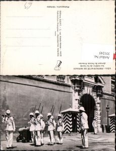 351245,Monaco La releve de la Garde devant le Palais Princier Wache Garde