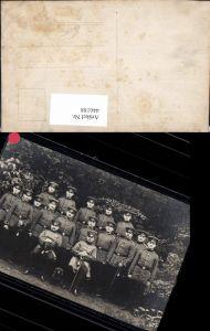 446188,Foto Ak WW1 Gruppenbild Soldaten Uniform Orden Säbel Waffen
