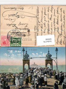 509948,Netherlands Den Haag Scheveningen in de pauze Seebrücke