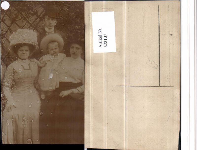 522107,Foto AK Familie Frauen m. Hüten Kinder