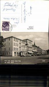 579540,Foto Ak Wels Kaiser Josef Platz m. Hotel Greif Auto VW Käfer VW Bully