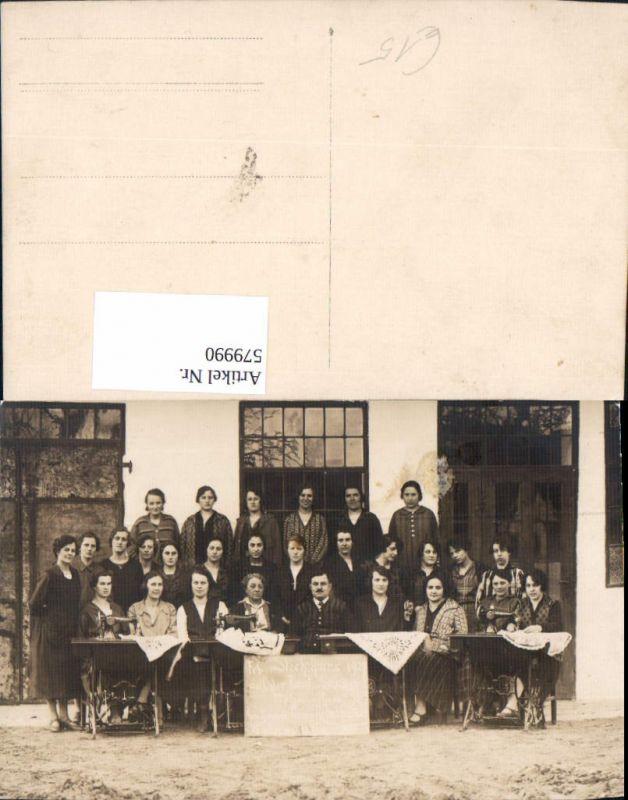 579990,Gruppenbild Frauen Nähmaschinen Nähen Stickkurs 1927 Heimarbeit Hausarbeit